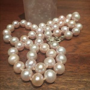 Stunning Genuine Pearl Necklace